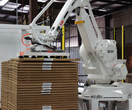 QComp robotic Flex Palletizer photo 3