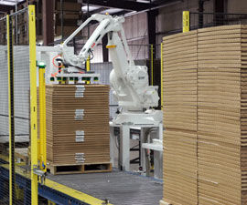 QComp robotic Flex Palletizer photo 2