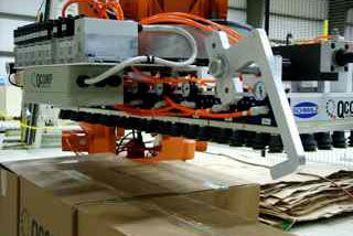 QComp Palletizer gripper photo 5