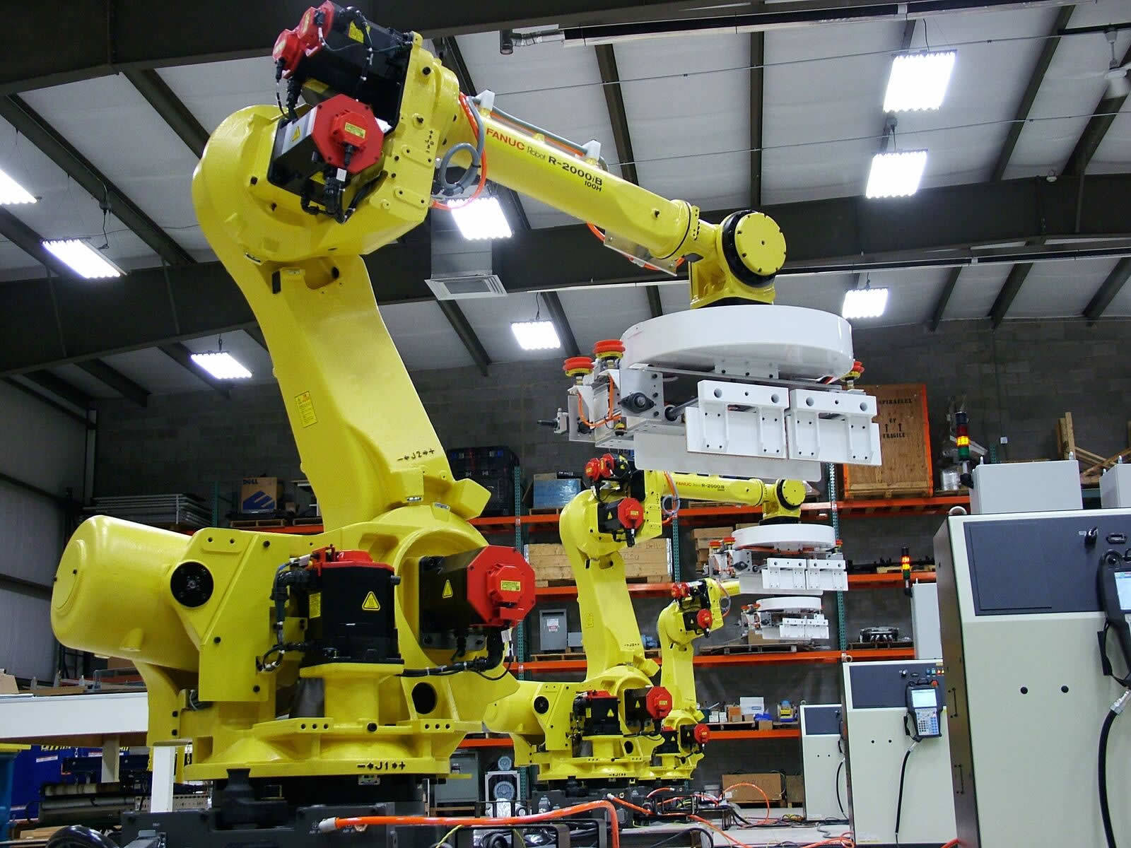 QComp large industrial robots photo 1