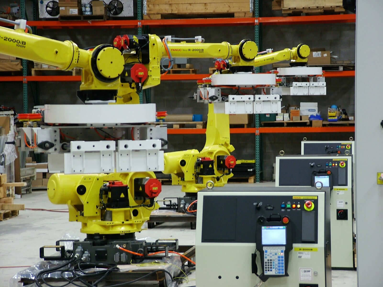 QComp large industrial robots photo 4